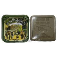 Boîte carrée déco Partie de Pétanque et son savon Olive