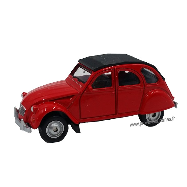 petite 2cv citro n voiture rouge d co r tro vintage provence ar mes tendance sud. Black Bedroom Furniture Sets. Home Design Ideas