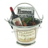 Magnet SEAU Métal Galva garni Vin, croissant, raisin, journal PLAISIRS DE FRANCE