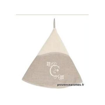 serviette main ronde brodée personnalisée initiale lettre C