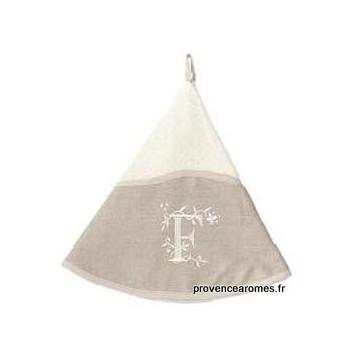 serviette main ronde brodée personnalisée initiale lettre F