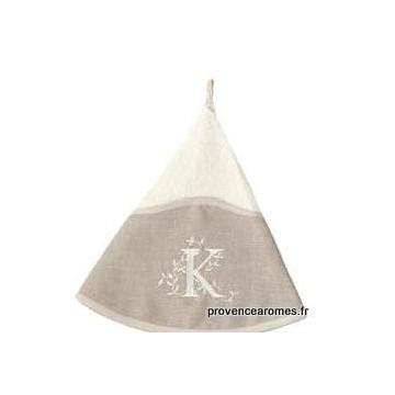 serviette main ronde brodée personnalisée initiale lettre K