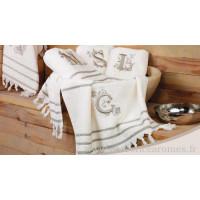 Serviette hammam à franges brodée personnalisée initiale lettre