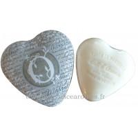 Boîte en forme de cœur déco lettre O et son savon Lait d'ânesse