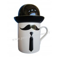 Mug Moustache, cravate et chapeau Melon