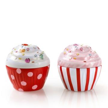 bo te en forme de cupcake en m tal alimentaire lot de 2 bo tes rouges provence ar mes tendance sud. Black Bedroom Furniture Sets. Home Design Ideas