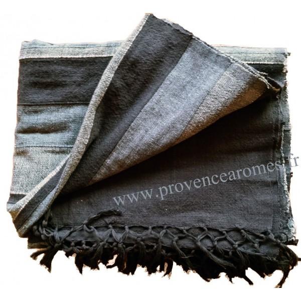 Tenture k rala plaid couvre lit noir gris provence ar mes tendance sud for Couvre canape noir