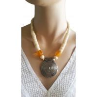 Collier beige pendentif cercle métal Lara Ethnics