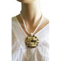 Collier cordon blanc pendentif cercle de nacre Lara Ethnics