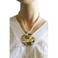 Collier cordon beige pendentif cercle de nacre Lara Ethnics