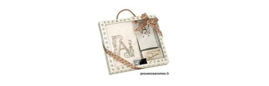 Coffret cadeau personnalisé initiale lettre